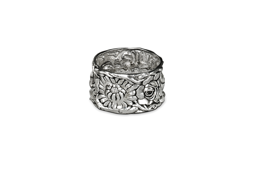 Repousse Flowers Napkin Ring