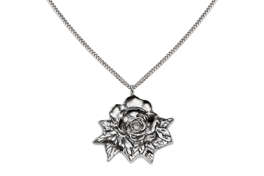 Galmer Silver Rose Pendant, photography by [ZeO].